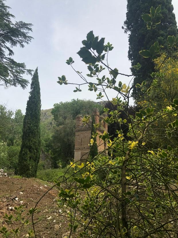 Ponte giardino di Ninfa